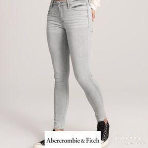 Abercrombie & Fitch Harper Super Skinny jeans EUC